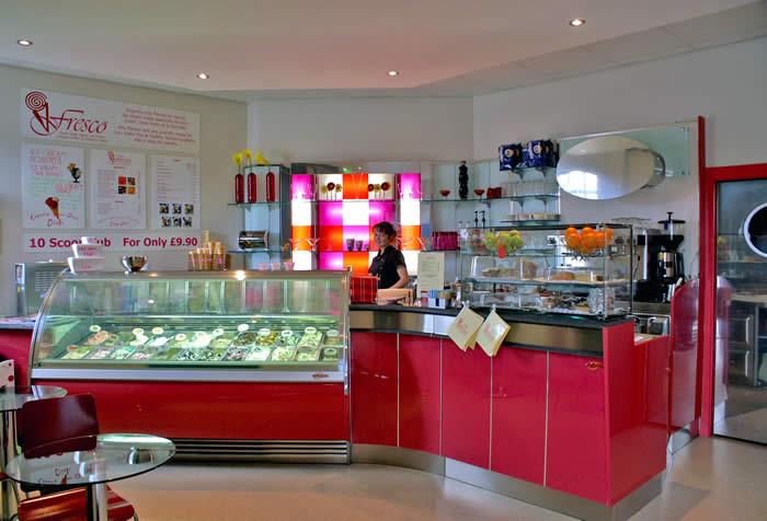 Кафе мороженое - вид изнутри