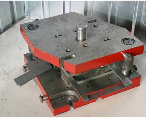 Инструментальная штамповая легированная сталь 5ХНМ