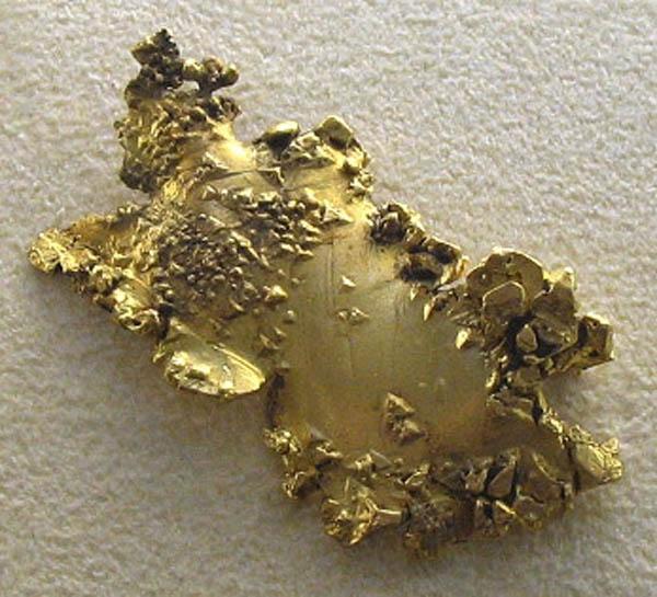 Как выглядит золото в природе
